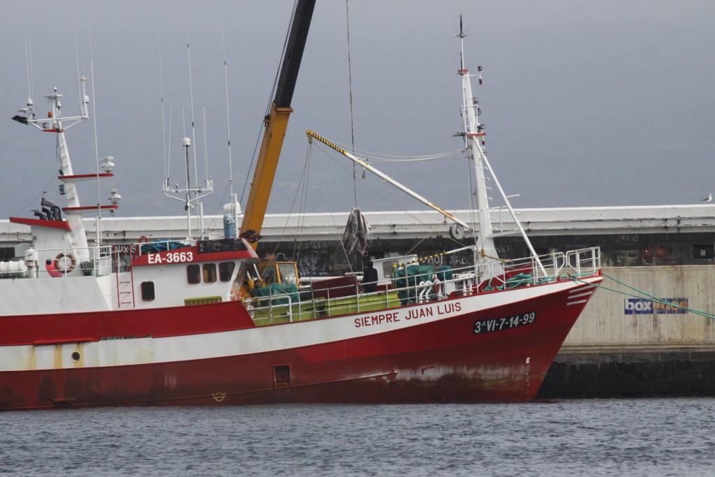 Le Siempre Juan Luis de la flotte d'ORPAGU / Horta  Photo prise par un anonyme sur le port de Horta aux Açores. Source : Azores Shark Sanctuary